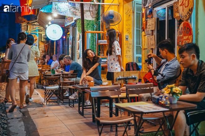 Vừa trở thành địa điểm sống ảo hot nhất 2019 ở Hà Nội, phố đường tàu Phùng Hưng có nguy cơ bị dẹp bỏ không thương tiếc và phản ứng của dân mạng thế nào? - Ảnh 2.