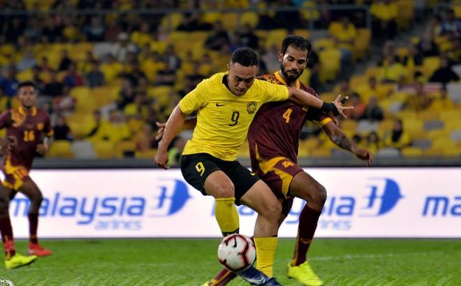"""Vì đội bóng yếu gần nhất thế giới, Malaysia """"lộ bài"""" trước trận gặp Việt Nam?"""