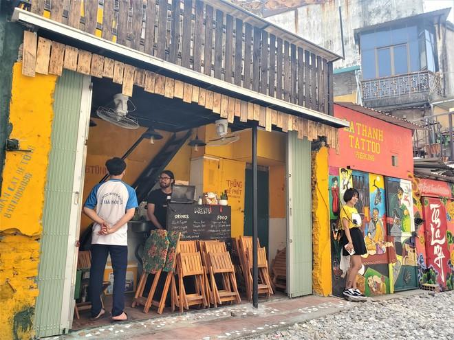 Hàng quán phố đường tàu Hà Nội đóng cửa, tiểu thương lo mất trắng trước tin dẹp tiệm - Ảnh 4.