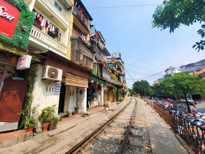 Hàng quán phố đường tàu Hà Nội đóng cửa, tiểu thương lo mất trắng trước tin dẹp tiệm - Ảnh 5.