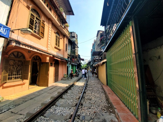 Hàng quán phố đường tàu Hà Nội đóng cửa, tiểu thương lo mất trắng trước tin dẹp tiệm - Ảnh 10.