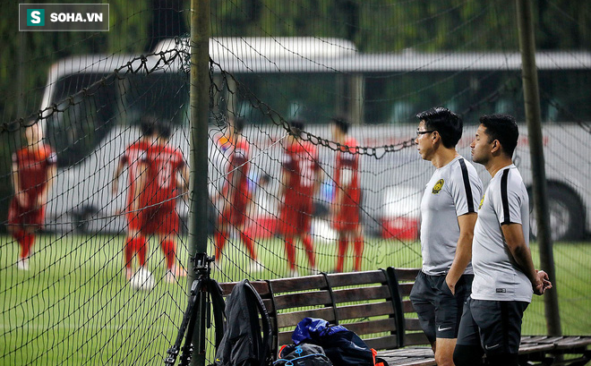"""Sau sự cố để Malaysia """"do thám"""", HLV Park Hang-seo đổi sân tập vì sợ lộ bài"""