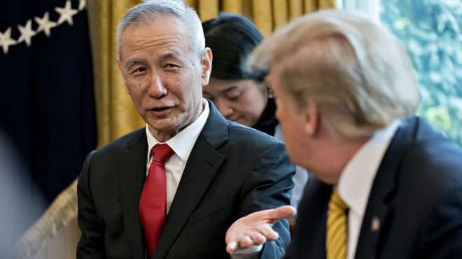 Sát giờ G, TQ bất ngờ đổi giọng về điều kiện đàm phán với Mỹ: Chiếc ghế của TT Trump bị đe dọa, Bắc Kinh hả hê? - Ảnh 2.
