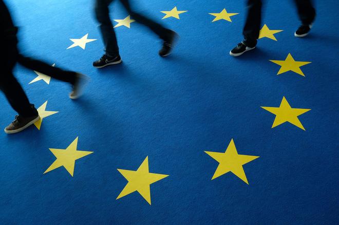 Châu Âu nảy lửa tranh cãi vì Nga: Bên muốn chủ hòa, bên kiên quyết chủ chiến - Ảnh 2.