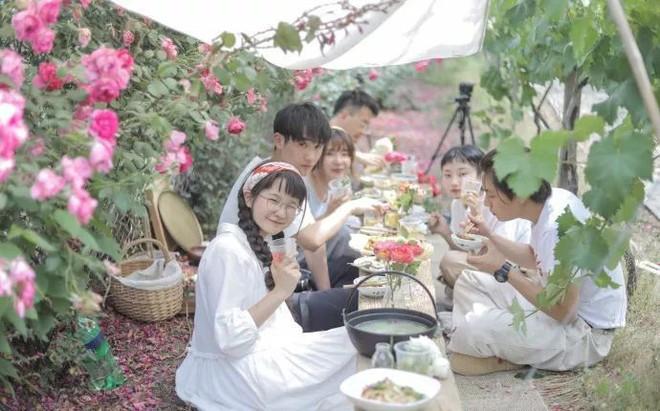 Mạnh mẽ đưa ra quyết định bỏ phố về quê, cô gái 9x đã đem lại những ngày thảnh thơi cho cha mẹ bên khu vườn rộng 6000m² - Ảnh 29.
