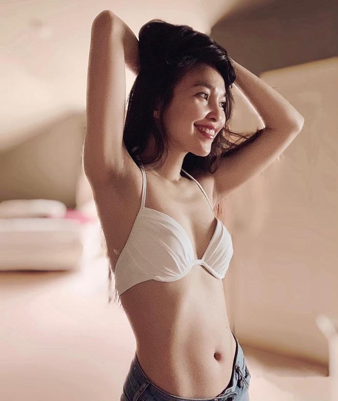 38 tuổi, mẹ đơn thân Hiền Thục vẫn chẳng ngại ngần chụp ảnh táo bạo khoe thân hình sexy như gái đôi mươi - Ảnh 8.
