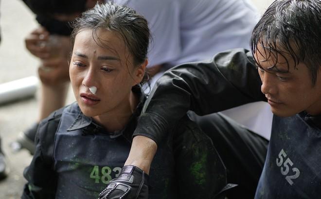 Mỹ nhân hành động: Phương Oanh òa khóc nức nở vì bị chấn thương