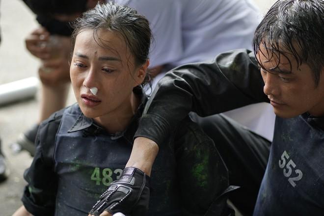 Mỹ nhân hành động: Phương Oanh òa khóc nức nở vì bị chấn thương - Ảnh 3.