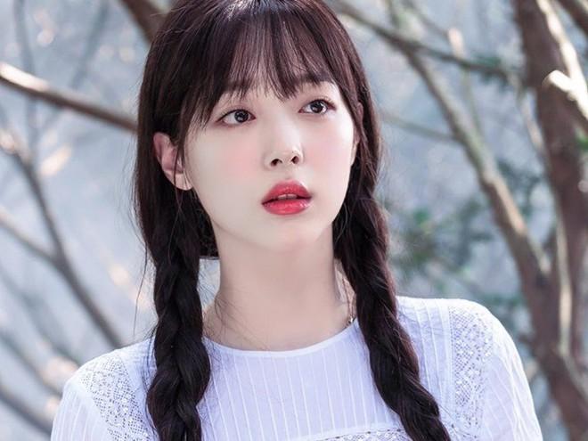 Nhan sắc khó cưỡng lại của mỹ nữ mệnh danh gái hư đẹp nhất xứ Hàn - ảnh 1