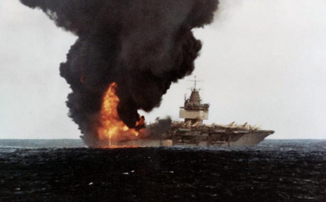 Thả bom hạt nhân đánh chìm TSB Mỹ: Liên Xô định mở màn Thế chiến 3 theo cách tệ hại nhất?