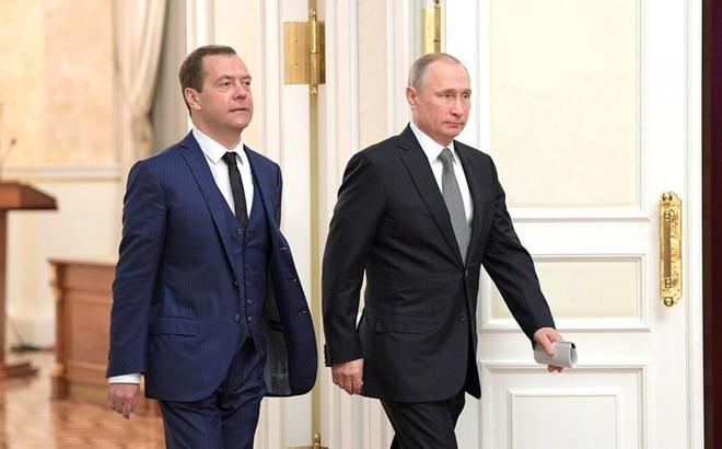 Tổng thống Putin quyết định tăng lương cho mình và Thủ tướng Medvedev