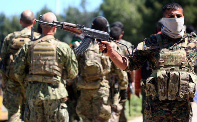 """Syria: Hàng nghìn khủng bố IS sẽ """"sổng chuồng"""" khỏi các nhà tù khi Mỹ rút quân?"""