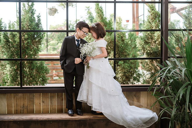 Ảnh cưới của cô gái 1,2m với thầy giáo tí hon từng khiến cô trúng tiếng sét ái tình và say bia gọi khóc - ảnh 2