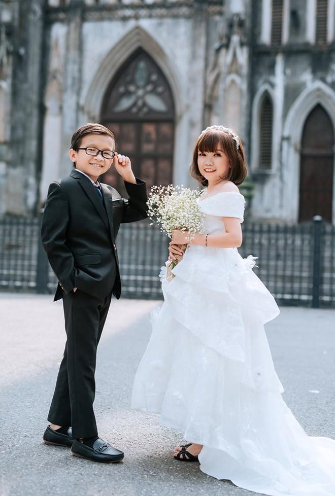 Ảnh cưới của cô gái 1,2m với thầy giáo tí hon từng khiến cô trúng tiếng sét ái tình và say bia gọi khóc - ảnh 6