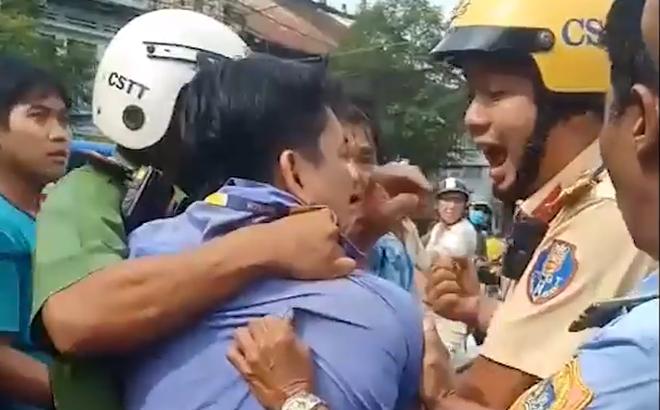 Lời khai của tài xế xe buýt dùng dao đâm tài xế GrabBike sau va chạm giao thông ở Sài Gòn