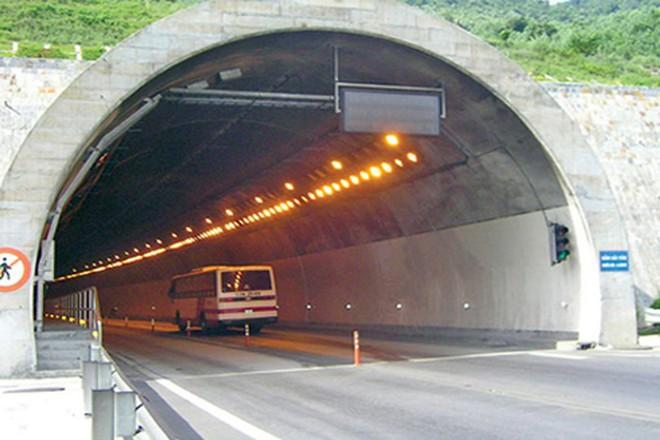 Độc đáo với những công trình giao thông chất nhất Việt Nam - Ảnh 1.