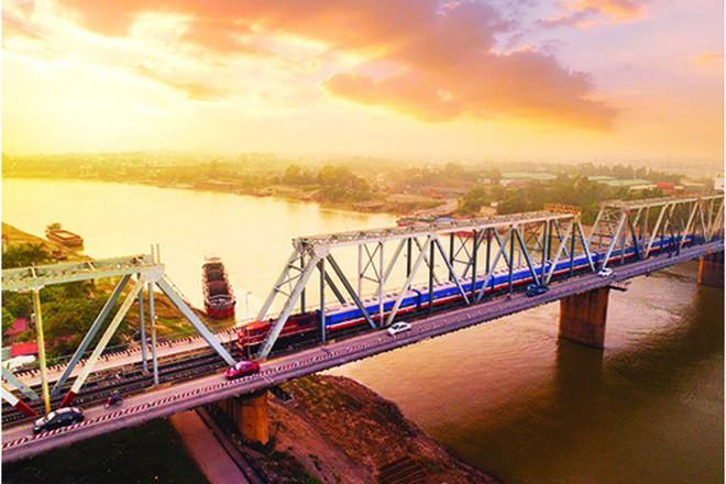Độc đáo với những công trình giao thông chất nhất Việt Nam - Ảnh 3.