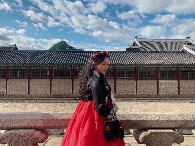 Rich kid Đặng Tiểu Tô Sa - cháu ngoại cố nhà giáo Văn Như Cương đã du học về nước, lột xác ngày càng xinh đẹp thời thượng - Ảnh 29.