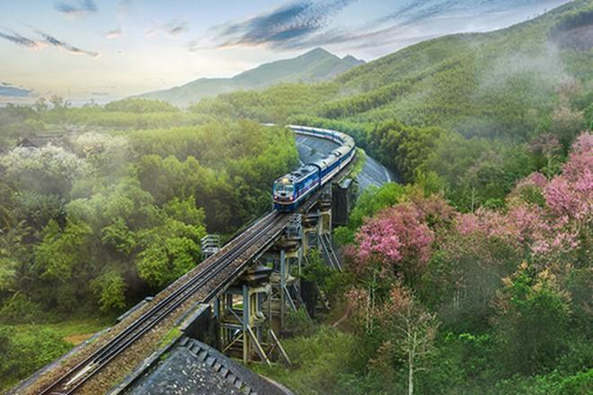 Độc đáo với những công trình giao thông chất nhất Việt Nam - Ảnh 4.