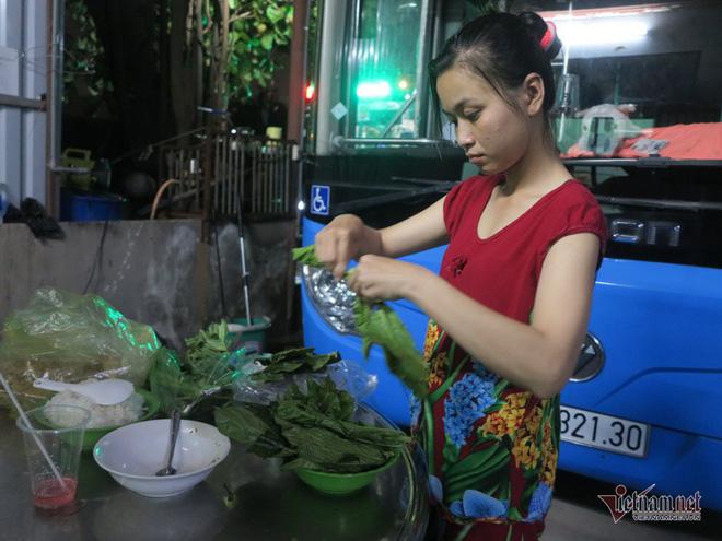 Buồng hạnh phúc trên xe buýt Sài Gòn, tài xế coi con trai riêng của vợ như con đẻ - Ảnh 7.