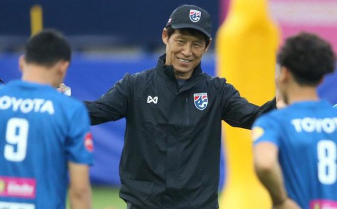 """Sắp đụng cường địch UAE, Thái Lan """"ngó lơ"""" trận Việt Nam vs Malaysia"""
