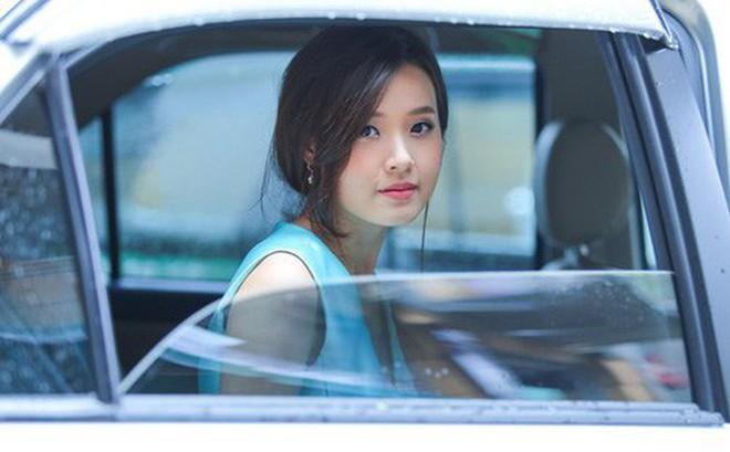 """Hot girl Midu ở tuổi 30: Giàu có, quyền lực, thà mang tiếng """"ế"""" chứ không làm vợ thiếu gia trăng hoa"""