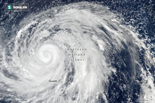 Siêu bão Hagibis đang tấn công các khu vực hòn đảo ở Tây Bắc Thái Bình Dương. Ảnh: NASA
