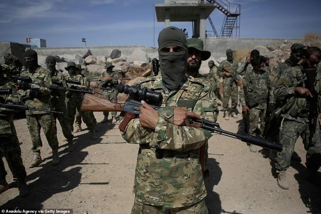 Nội ứng ngoại hợp, đại quân Thổ Nhĩ Kỳ sắp ập vào Syria: Phát hiện Mỹ ồ ạt tiếp viện người Kurd, chọc gậy Ankara - Ảnh 5.