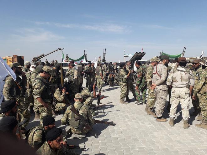 Thổ Nhĩ Kỳ chính thức tấn công vào Syria với quy mô lớn chưa từng có - Trung Đông rực lửa - Ảnh 17.