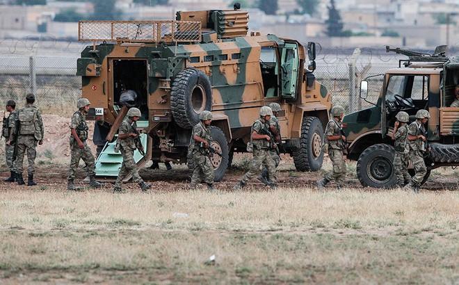 Người Kurd phản công, tấn công thành phố biên giới của Thổ Nhĩ Kỳ