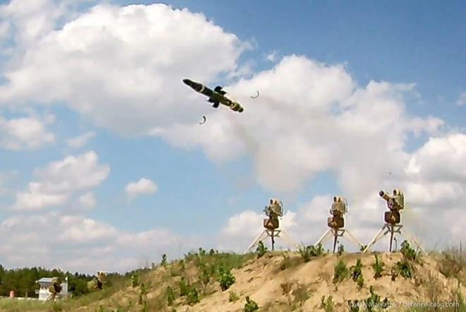 Tên lửa đa năng mới của Ukraine khiến xe tăng và trực thăng Nga không còn đất diễn? - Ảnh 14.