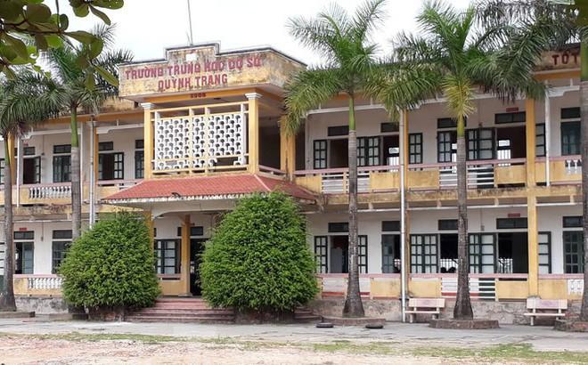 Bị tố nhắn tin gạ tình học sinh cũ, thầy giáo ở Thái Bình nói gì?