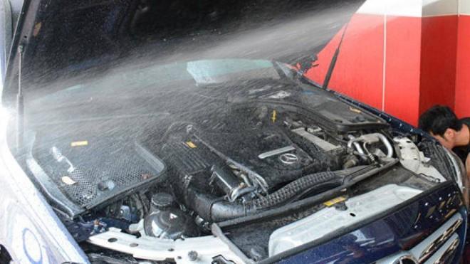 Những lưu ý khi vệ sinh khoang động cơ ô tô - Ảnh 2.