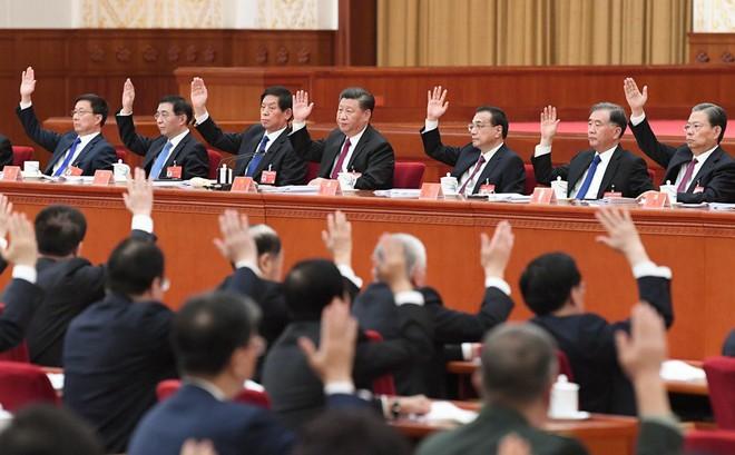 Số phận trái ngược của 2 Ủy viên trung ương không thể dự Hội nghị toàn thể 4 ĐCS Trung Quốc