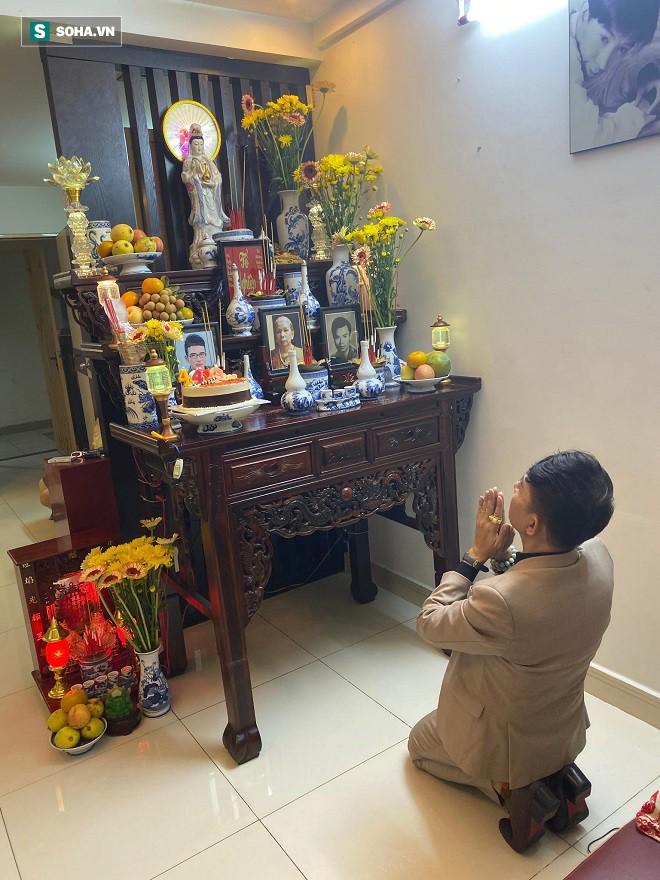 Long Nhật khóc nghẹn khi nhận quà đặc biệt của Vương Bảo Tuấn gửi lại trước khi qua đời - Ảnh 2.