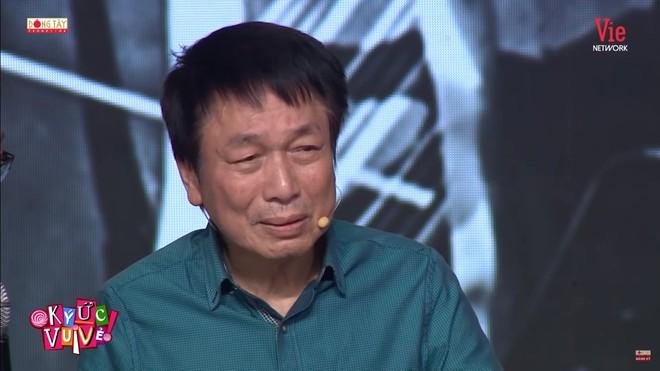MC Quyền Linh: Anh Phú Quang chỉ vào nơi ghi tên những người bạn đã mất và hỏi tôi: Em có muốn anh ghi tên em lên đó không? - Ảnh 3.