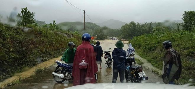 Thừa Thiên - Huế: Xả nước thủy điện A lưới để đón lũ - Ảnh 1.