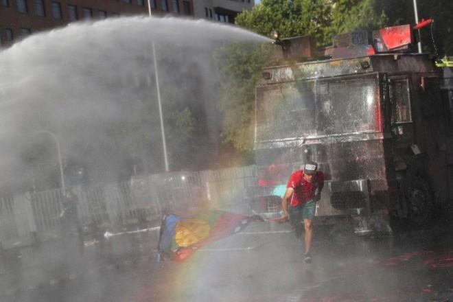 Mỹ: Châm ngòi bạo lực ở Chile không ai khác ngoài Nga - Ảnh 1.
