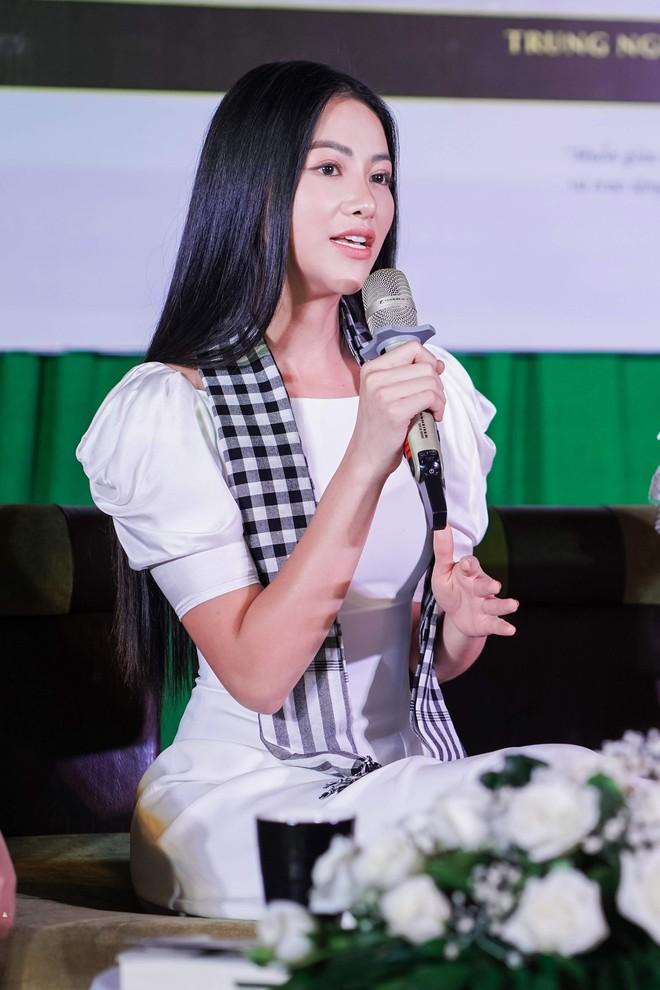 Hoa hậu Phương Khánh: Tri thức là vương miện quý giá nhất - Ảnh 1.