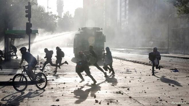 Mỹ: Châm ngòi bạo lực ở Chile không ai khác ngoài Nga - Ảnh 3.