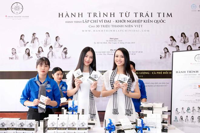 Hoa hậu Phương Khánh: Tri thức là vương miện quý giá nhất - Ảnh 2.