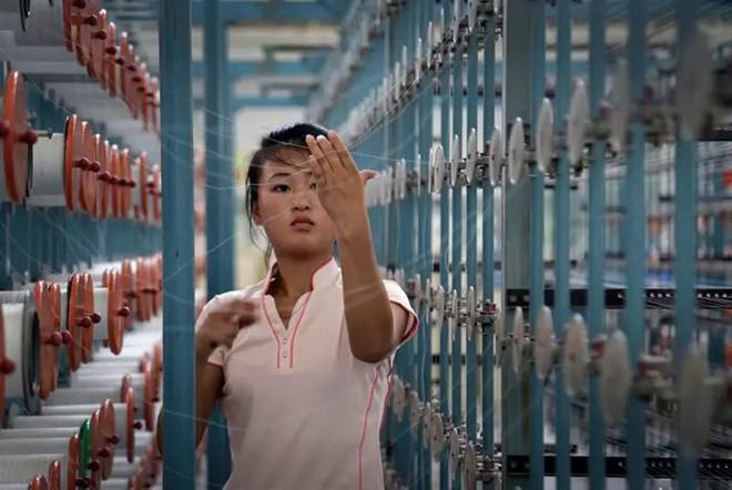 Hé mở cuộc sống bí ẩn của người lao động Triều Tiên - Ảnh 9.