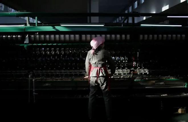 Hé mở cuộc sống bí ẩn của người lao động Triều Tiên - Ảnh 10.