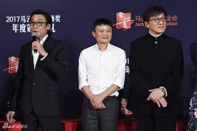 """""""Tỷ phú giàu nhất Trung Quốc"""" được Lý Liên Kiệt ra sức bảo vệ, nửa làng giải trí Hoa ngữ muốn kết thân - Ảnh 5."""