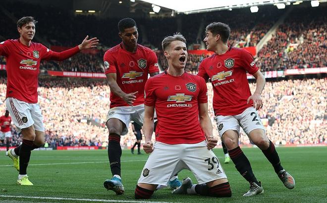 Giành 3 điểm trong trận đấu kỳ quặc, Man United nhảy vọt chóng mặt trên BXH Premier League