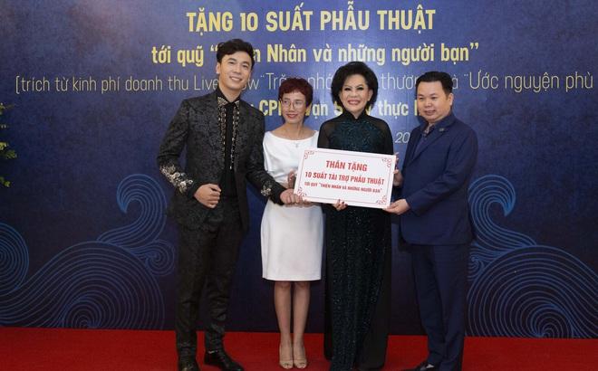 Lê Việt Anh và danh ca Giao Linh tặng 10 suất phẫu thuật cho quỹ Thiện Nhân