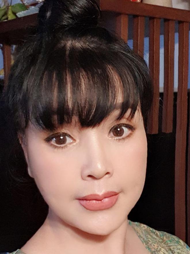 Bất ngờ với gương mặt trẻ trung, căng bóng của NSND Lan Hương ở tuổi 53 - ảnh 8