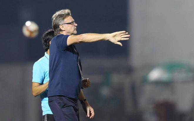 HLV Philippe Troussier lý giải về màn
