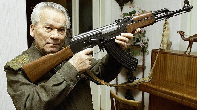 Vũ khí của mọi thời đại và mọi dân tộc: Cách Kalashnikov phát minh ra AK-47 - Ảnh 1.