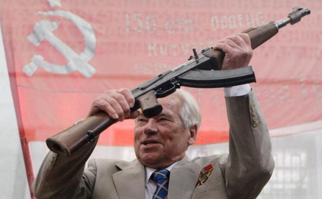 Vũ khí của mọi thời đại và mọi dân tộc: Cách Kalashnikov phát minh ra AK-47